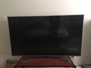 60 inch LG TV *broken screen* for Sale in Alexandria, VA