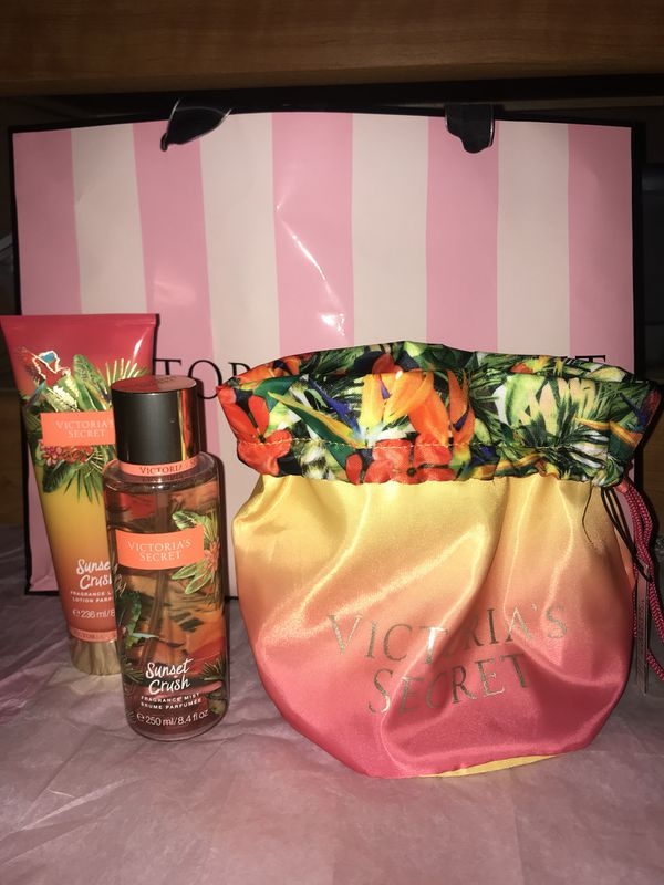 cf4e4eb765 New Victoria s Secret Sunset Crush Fragrance Mist   Lotion With Drawstring  Beauty Bag