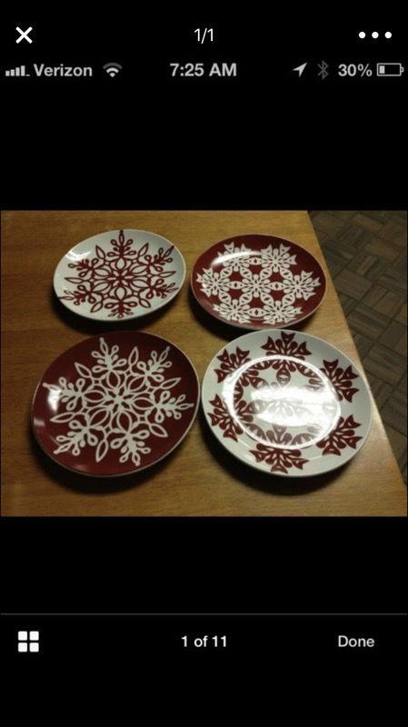 4 Gibson snowflake small Christmas plates new