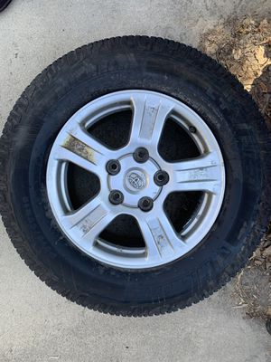 Photo 18 inch Toyota wheels and tires