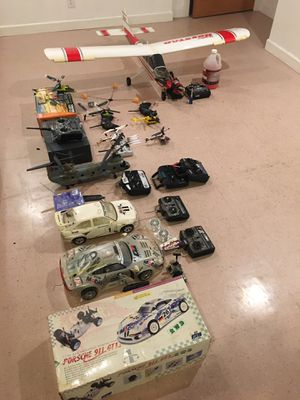 Photo All my R/C gear including gas plane, Nitro and battery car and several Heli's
