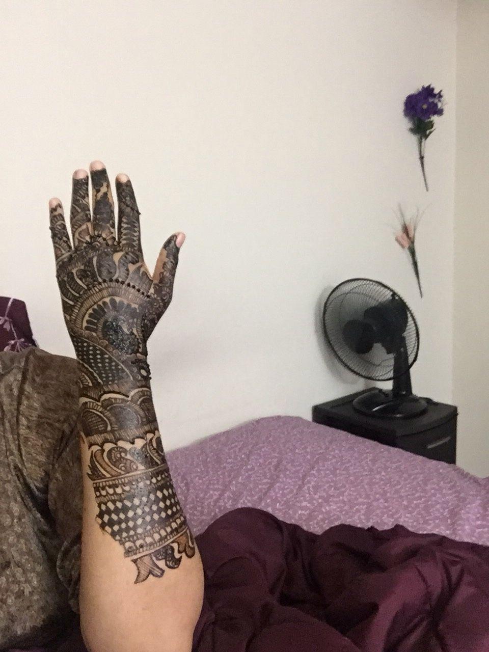 Bridal henna expert
