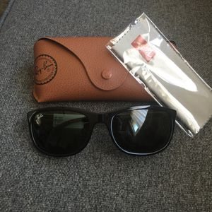 Rayban sunglasses for Sale in Fort Belvoir, VA