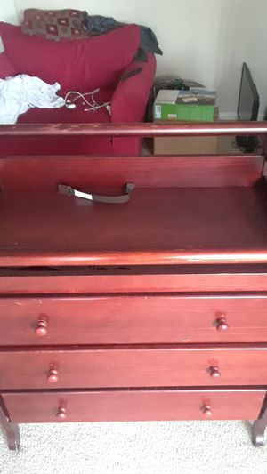 Baby dresser with built in changing table. for Sale in Laurel, MD