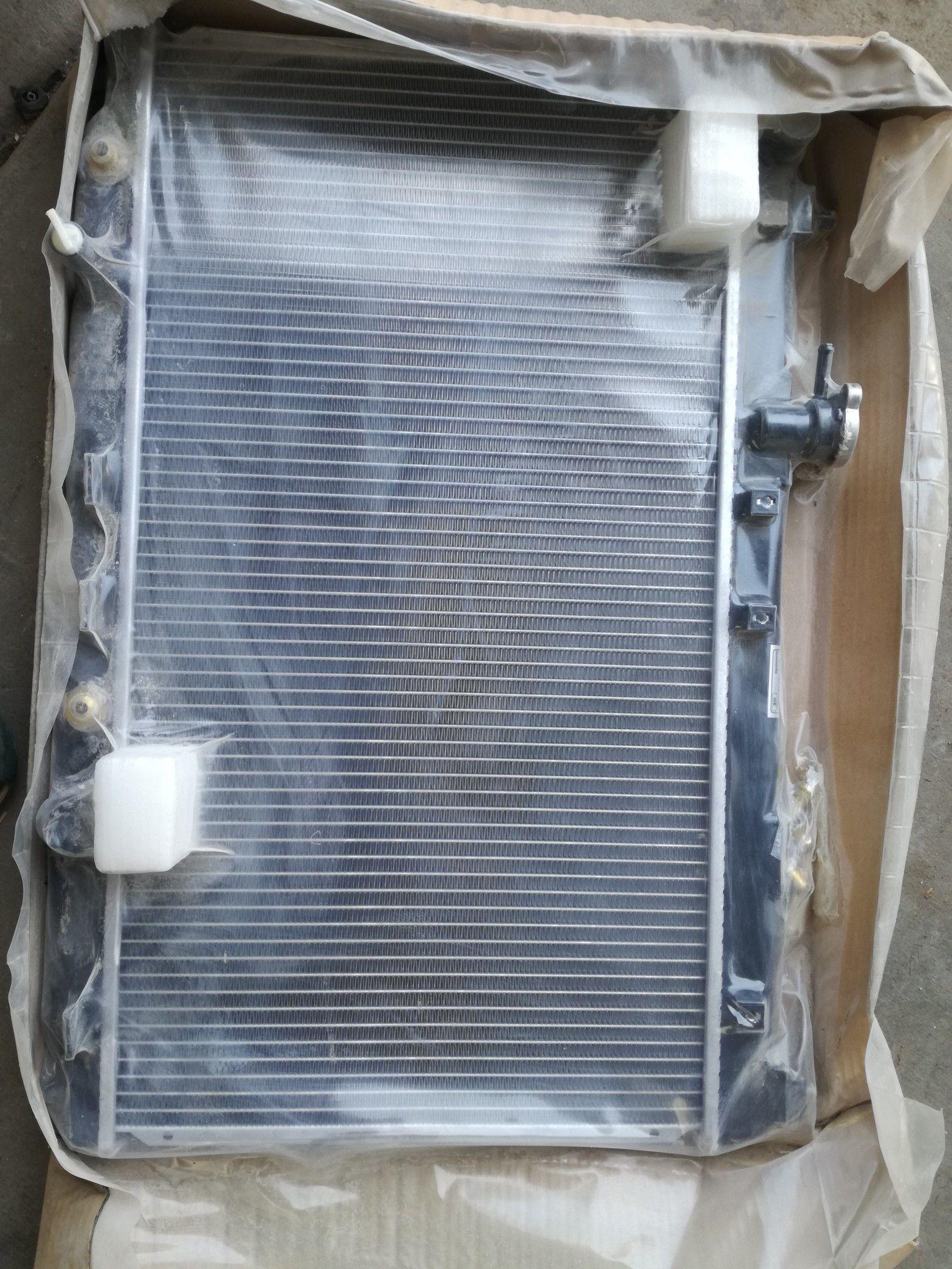 Brand new radiator for Honda fit 2003