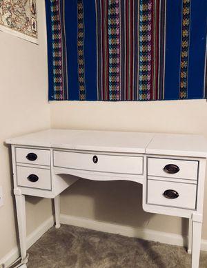 Antique Vanity (great condition) for Sale in Arlington, VA