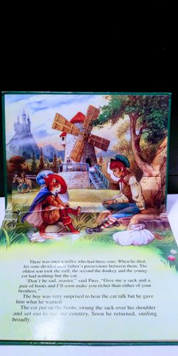 Puss in Boots- Fairy Tale Favorites, Pop-Up Book, Illustrated by John Patience Thumbnail