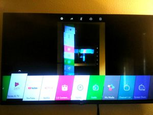 Lg 2017 led to 55 inch smart TV w/ screen cast share for Sale in Las Vegas, NV