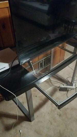 Computer desk for Sale in Hyattsville, MD