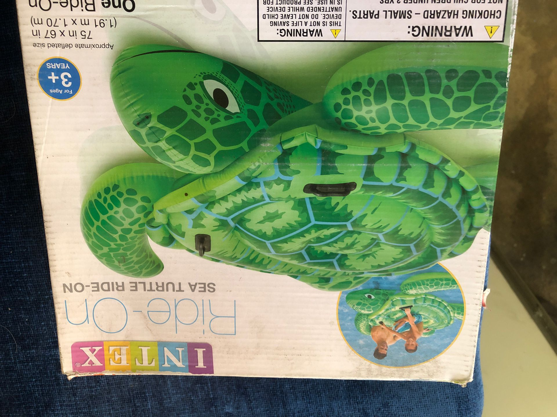 Inflatable floaty