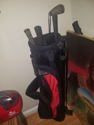 Golf clubs set of 5 good condition barely used for Sale in Manassas, VA