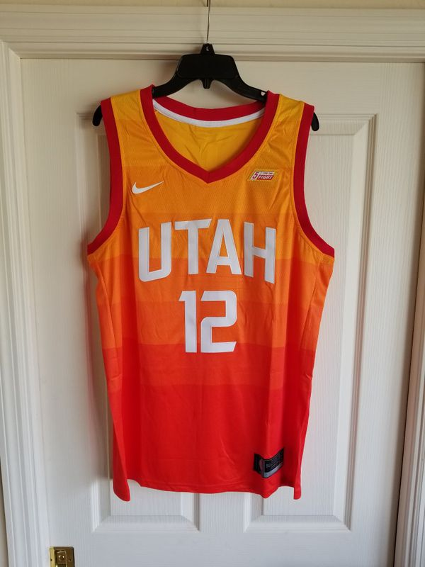 new styles 64cdd dcd50 JOHN STOCKTON UTAH JAZZ THROWBACK JERSEY SIZE LARGE for Sale in Fort  Lauderdale, FL - OfferUp