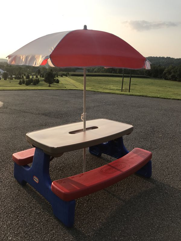 Cool Little Tikes Easy Fold Picnic Table And Umbrella For Sale In Cranberry Township Pa Offerup Download Free Architecture Designs Oxytwazosbritishbridgeorg