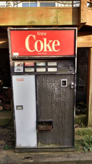 Full size Coke machine for Sale in Frederick, MD