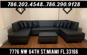 Photo Modern furniture sectional couch