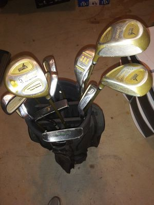 Women's beginners golf clubs and bag for Sale in Falls Church, VA
