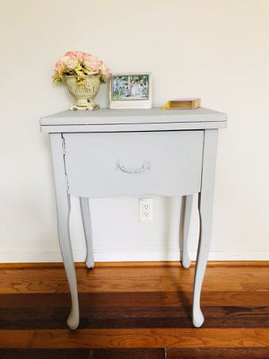 Antique Side Table for Sale in Annandale, VA