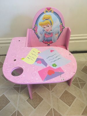 Childrens Play Desk for Sale in Pittsburgh, PA