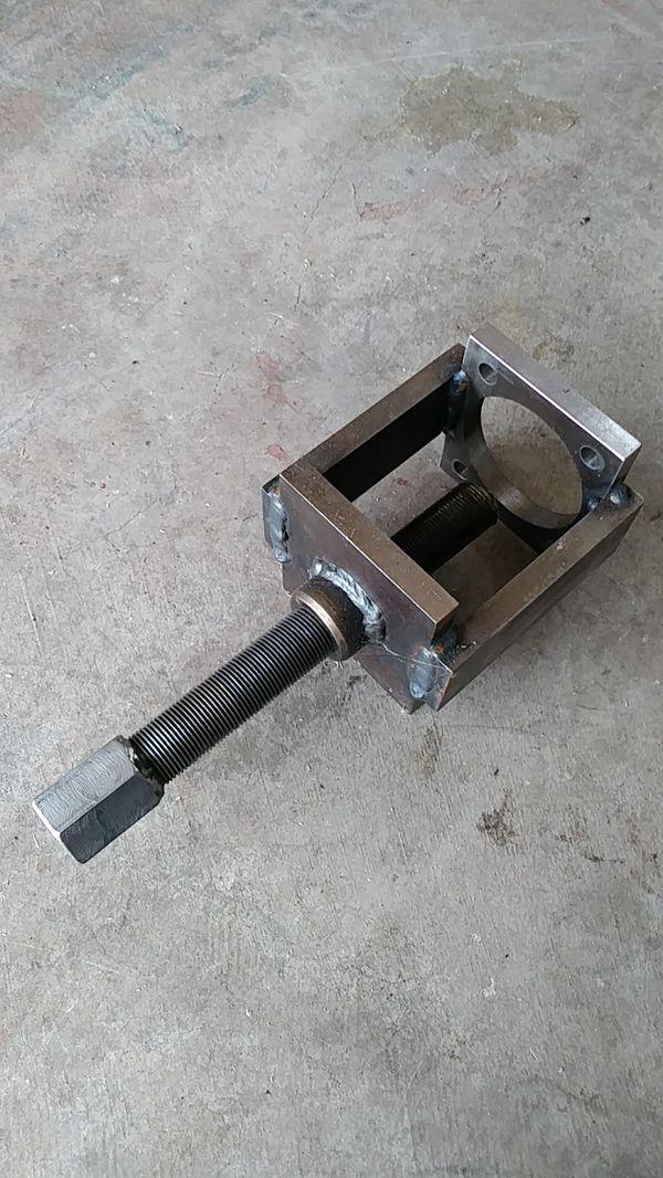 Bmw e21 rear stub shaft puller for Sale in Renton, WA - OfferUp
