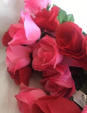 Silk Red Pink Roses Crafting Flowers Bouquet for Sale in Union City, CA