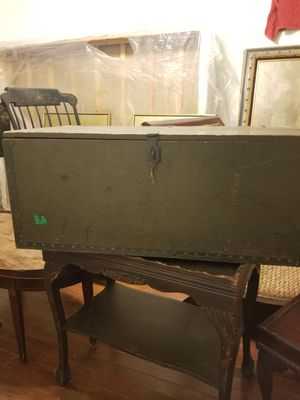 Vintage 1943 us army chest Trunk for Sale in Forest Heights, MD