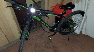 Photo Schwinn 29 inch mountain bike with shimano parts