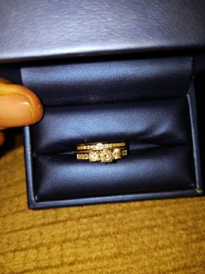 14k white gold wedding set 2k total diamonds. for Sale in Chicago, IL