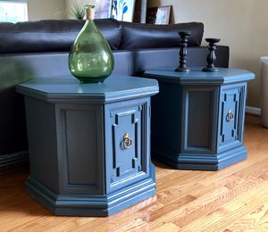 Side table for Sale in Manassas, VA