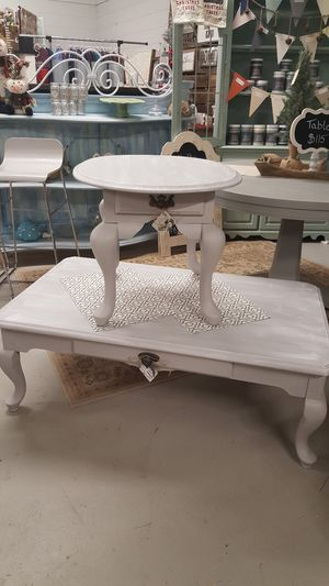 Coffee and end table for Sale in Moseley, VA