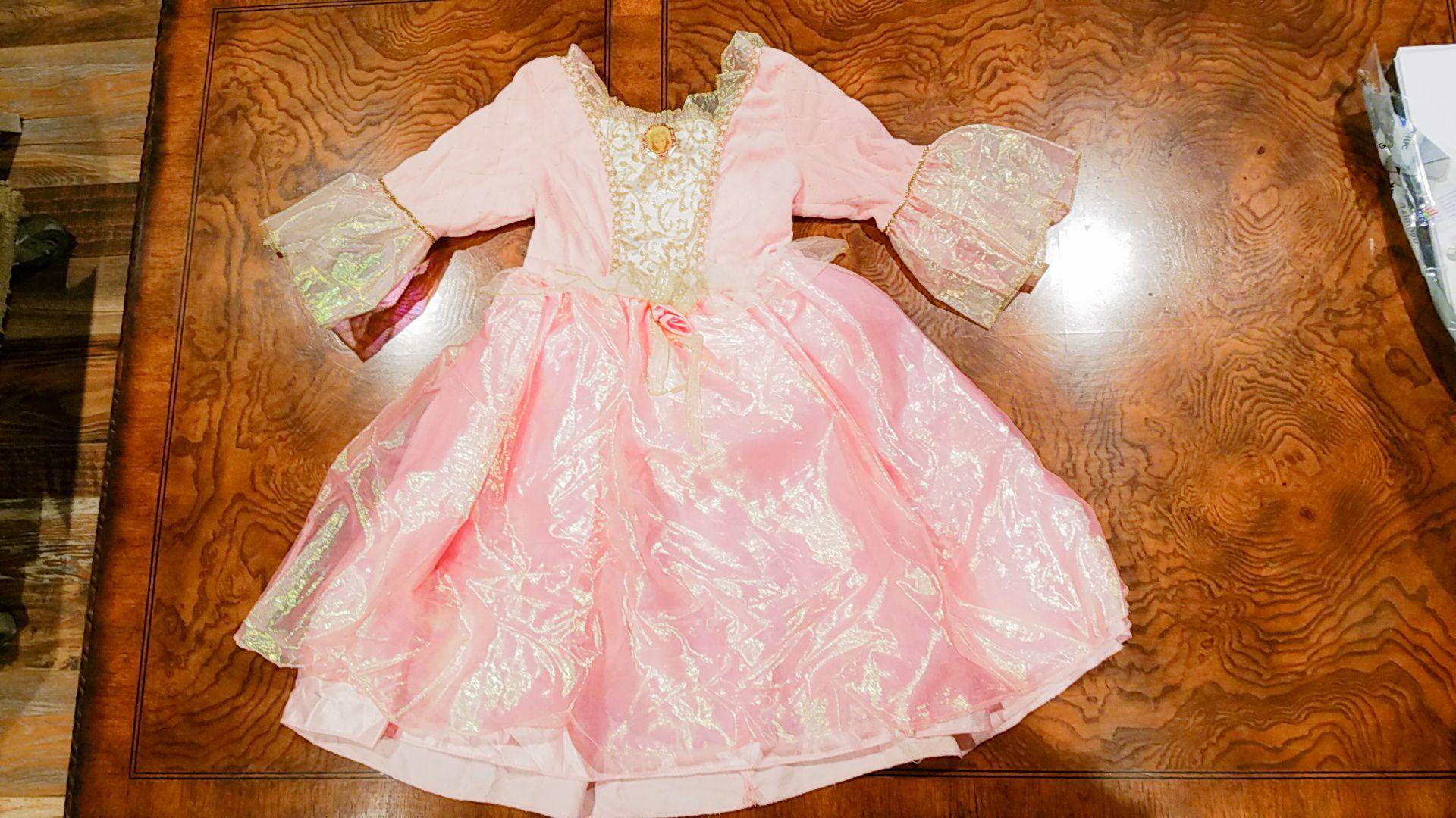 Barbie princess costume size 4-5