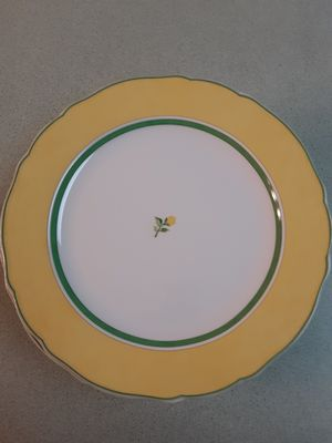 Photo 12 BEAUTIFUL WEDGEWOOD PLATES PATTERN NAME  SUMMER DREAM  EXQUISITE CHINA! SIZE 12 DIAMETER, NEVER USED!!