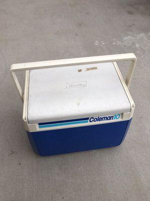 Coleman 10 small cooler ice chest for Sale in La Mirada, CA