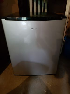 Amana compact refrigerator for Sale in Lynchburg, VA