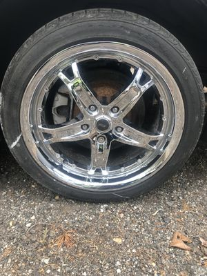18 inch chrome wheels for Sale in Upper Marlboro, MD