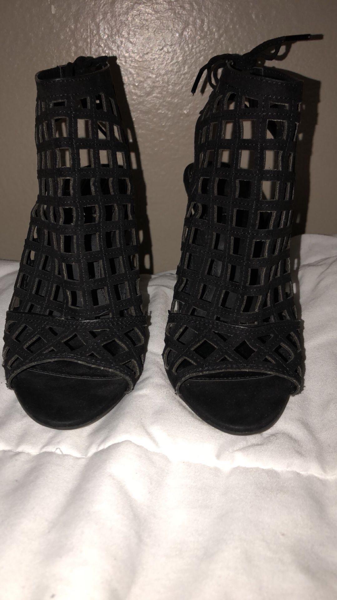 Woman's Heels size 6
