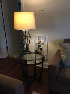 Lovely 3 piece glass cocktail/end table set for Sale in Haymarket, VA