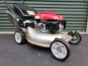 Photo Honda Smart Drive Rear drive self propelled lawn mower w/ Blade Clutch PRICE IS FIRM