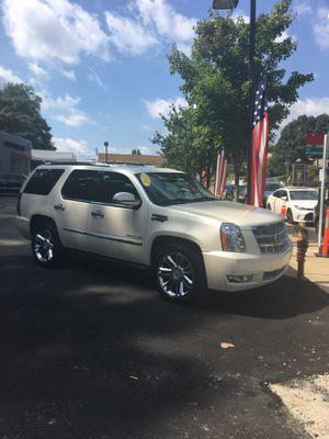 2013 Cadillac Escalade Platinum Edition for Sale in Lincolnia, VA