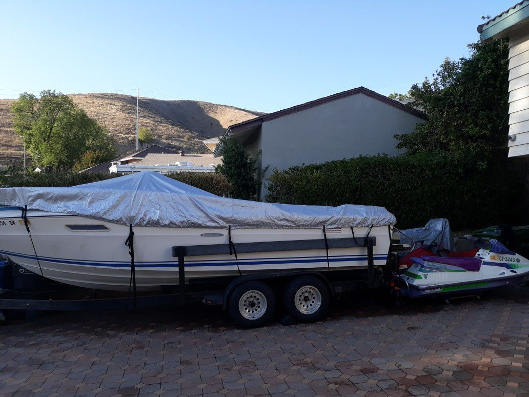 Photo Boat And Seadoos Package Deal