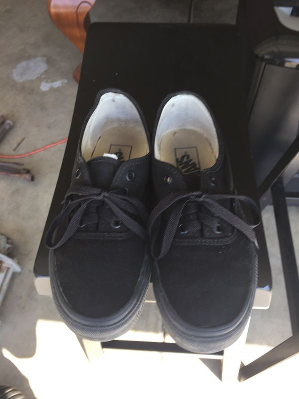25b53fd7edd92d Vans shoes for kids size 5 1 2 for Sale in Bakersfield