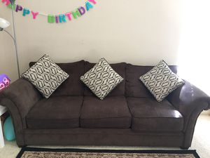 3 seater sofa with 3 cushions for Sale in Irving, TX