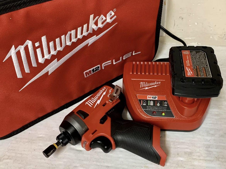 Milwaukee M12 Fuel