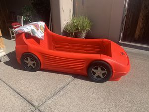 Photo Little Tikes Race Car Bed
