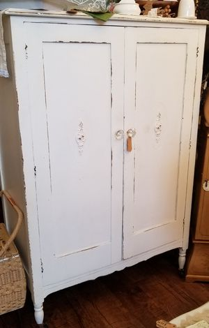Antique shabby chic wardrobe for Sale in Clermont, FL