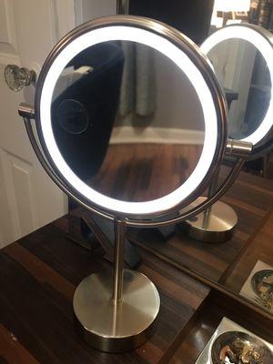 Lighted make up mirror for Sale in Denver, CO