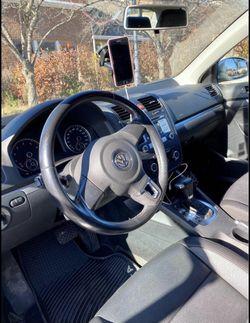 2010 Volkswagen Jetta Thumbnail