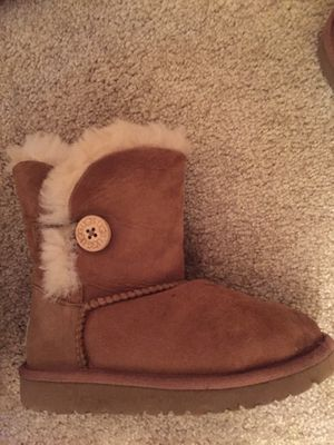 Ugg boots size 11 kids in Great Condition for Sale in Alexandria, VA