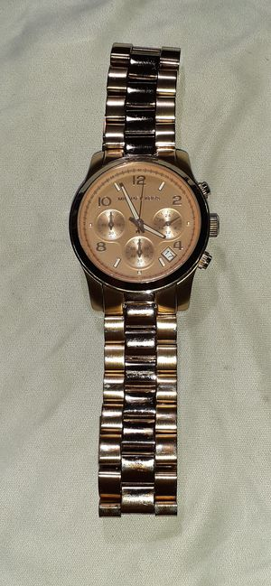 Photo Michael Kors runway rose gold-tone women's watch