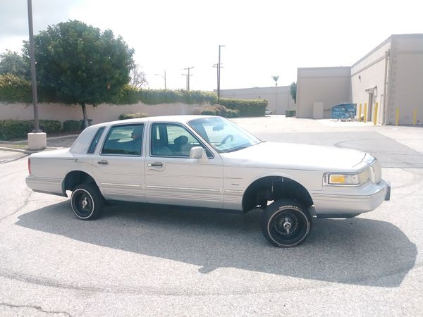 1995 Lincoln Towncar Lowrider For Sale In Whittier Ca Offerup
