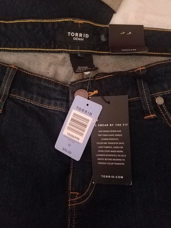 8eb79fbe193 Torrid Premium Stretch Sophia Crop Sanded Rinse Jeans NEW for Sale in South  Gate
